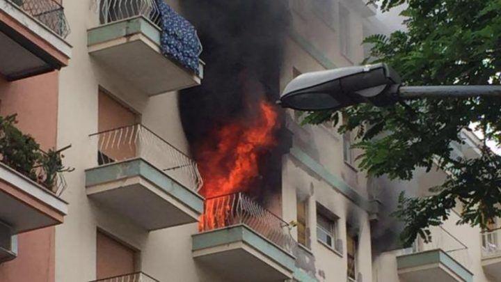 Napoli. Appartamento in fiamme: trovato un cadavere carbonizzato