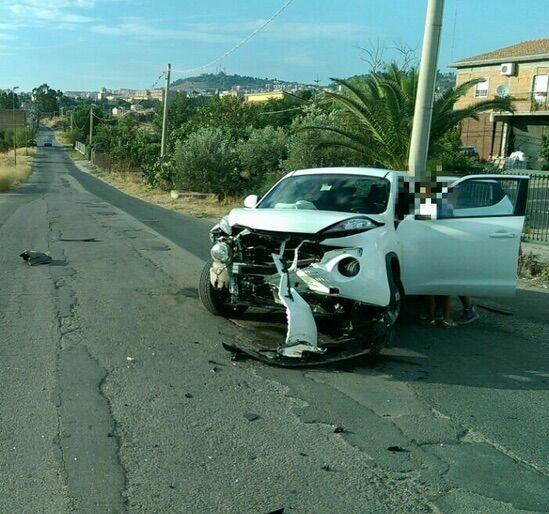 Tragedia in provincia, travolta e uccisa mentre attraversa la strada