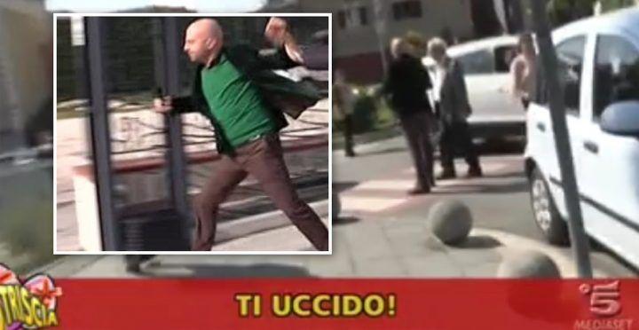"""""""Ti uccido!"""". Luca Abete minacciato e inseguito a Marano da un parcheggiatore abusivo. VIDEO"""