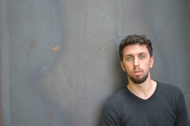 """Arte del corpo, il giuglianese Marco De Alteriis approda ad Aversa con """"Human Rights"""""""