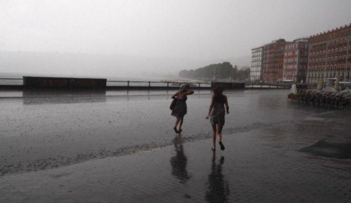 Meteo Napoli e Campania, in arrivo 24 ore di temporali