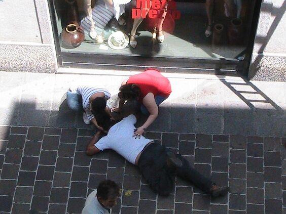 Tragedia a Napoli, 56enne di Acerra muore sotto gli occhi del figlio