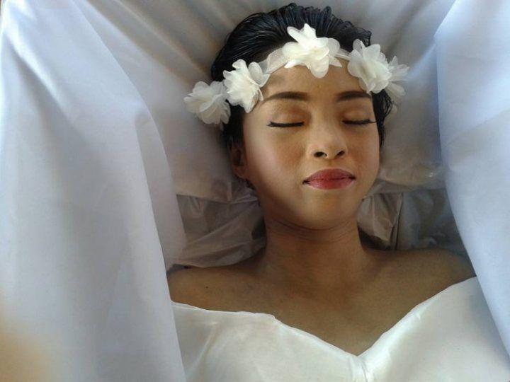 """""""Voglio essere bella al mio funerale"""". 20enne muore di cancro ed esprime questo desiderio"""