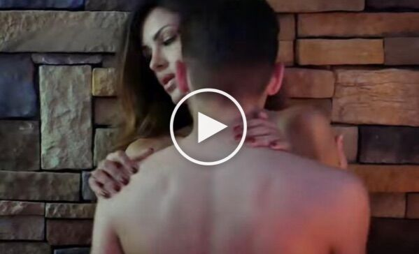 Rosa Perrotta, video 'hot' con ospite Fabrizio Corona: polemiche a Uomini e Donne