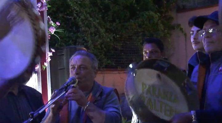 Tammurriata giuglianese, la benedizione dei carri per Pasqua 2017
