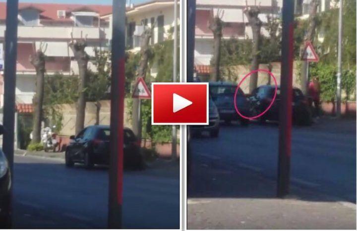 Villaricca, in azione la banda dello specchietto su una Mercedes. VIDEO