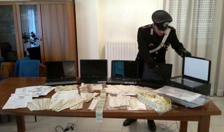 Giugliano, 600 marche da bollo false: 2 falsari arrestati dai Carabinieri