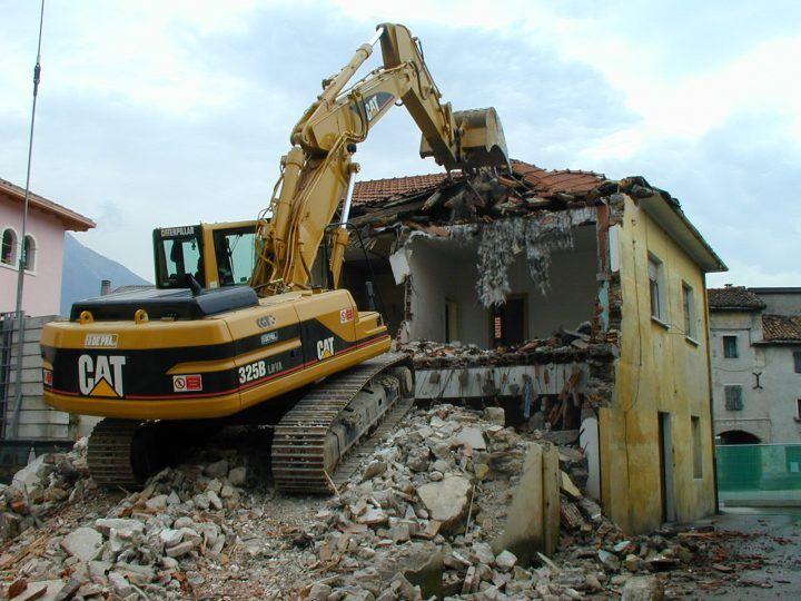 Legge Falanga sull'abusivismo edilizio, il ddl passa in Senato