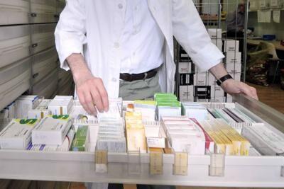 Vendevano farmaci illegali: 5 persone arrestate