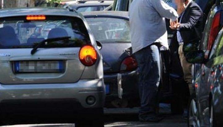 Aversa. Uomo aggredito da parcheggiatori abusivi: ecco la sua testimonianza