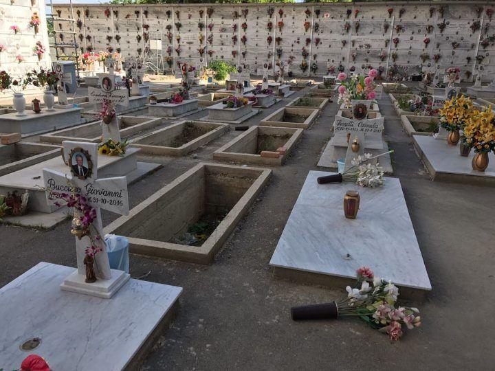Marano, non c'è pace per i defunti: ladri al cimitero