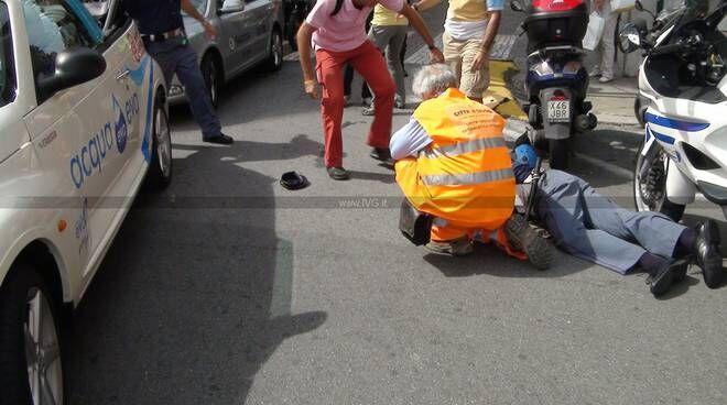 Napoli, investono agente di Polizia e scappano. Due giovanissimi in manette