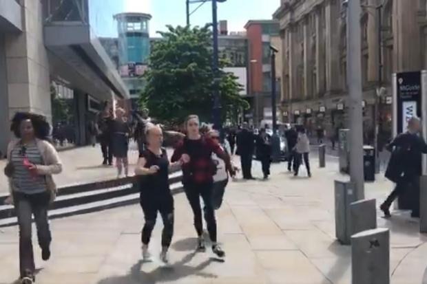 Manchester Arndale: esplosione vicino ad un centro commerciale