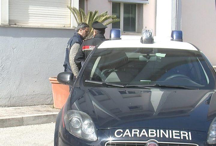 Calvizzano, merce contraffatta in casa: nei guai due coniugi