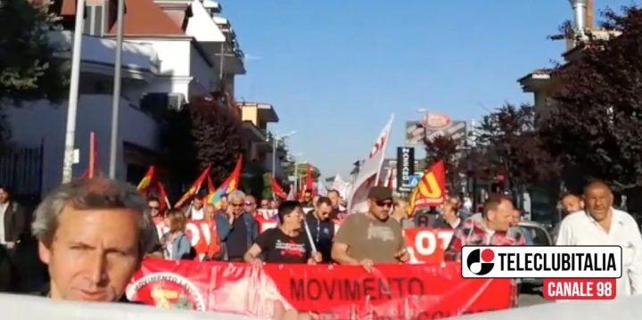 """Giugliano, corteo dei Disoccupati e dei sindacati per """"ristabilire la democrazia"""""""