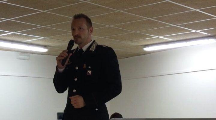 """Il capitano De Lise a Sant'Antimo: """"Area con 13 clan ma poche denunce. Serve associazione anti racket"""""""