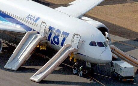 Volo Dubai-Londra, allarme bomba: evacuato un aereo