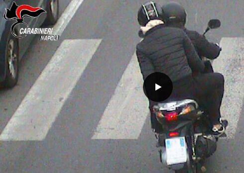 Napoli, si fingevano agenti antidroga e rapinavano ragazzini: arrestati