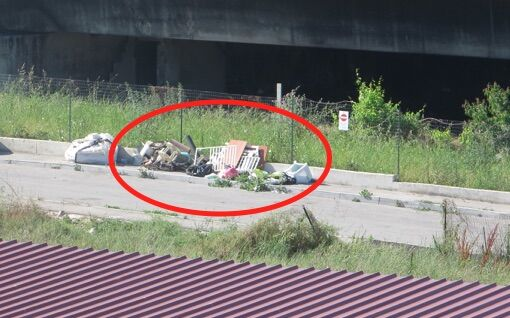 Giugliano, via Santa Caterina: dopo la bonifica si depositano ancora i rifiuti