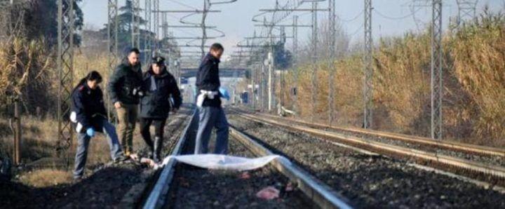 Tragedia sui binari, persona travolta da un treno in corsa