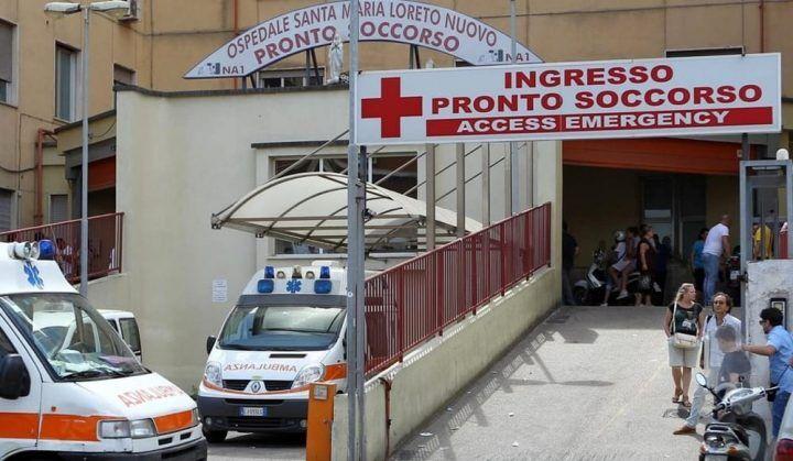 Napoli, cade in ospedale e muore: i familiari denunciano, scatta l'inchiesta