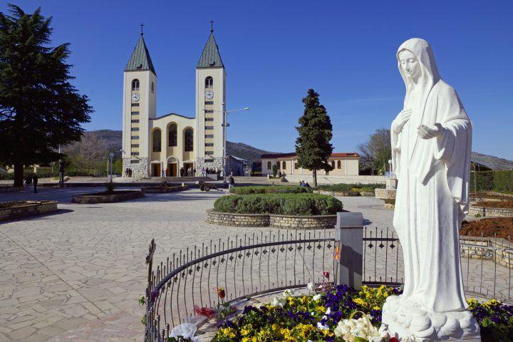 Lutto in Campania, va a Medjugorje e muore
