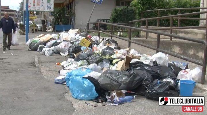 Melito, rifiuti: è ancora emergenza