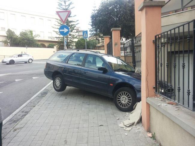 Avellino, ha un malore e si schianta contro un muro: muore Salvatore Gambino