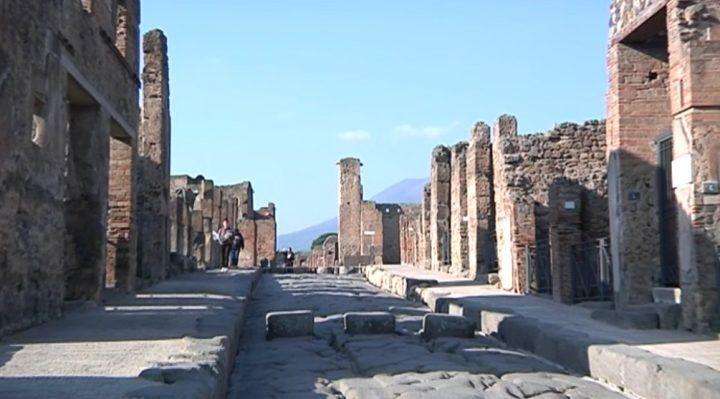 Pompei, furto alla mostra: rubato fregio del VI secolo a.c.