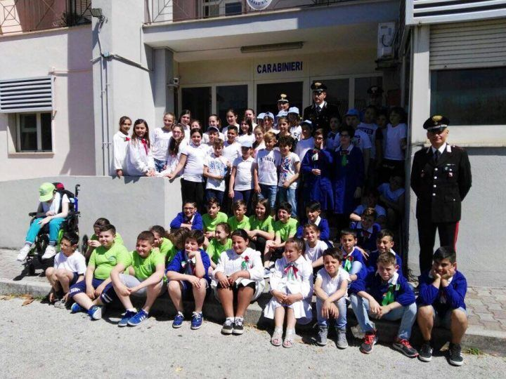 Giugliano, il quinto circolo didattico fa visita ai Carabinieri