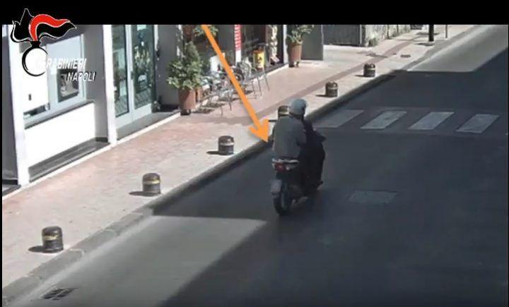 Tentata rapina al Banco di Napoli: arrestati i due 'pali' e sequestrata droga
