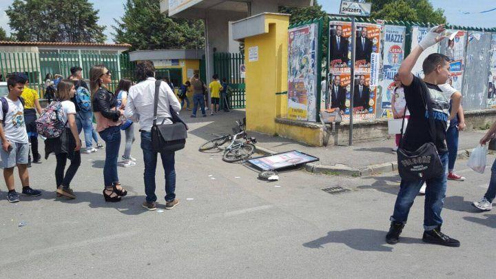 """Elezioni a Sant'Antimo, la denuncia di una candidata: """"Aggressione fuori scuola"""""""