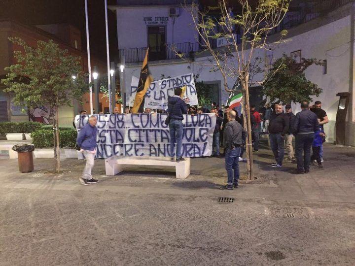 Giugliano, corteo per le vie del centro in memoria della Promozione in Serie C2
