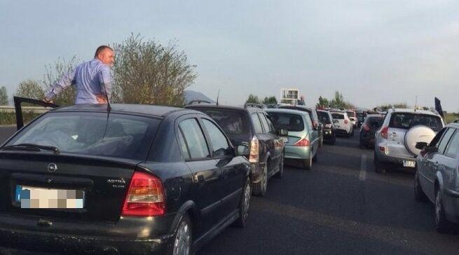 Asse Mediano, traffico in tilt: i lavori al manto stradale bloccano la circolazione