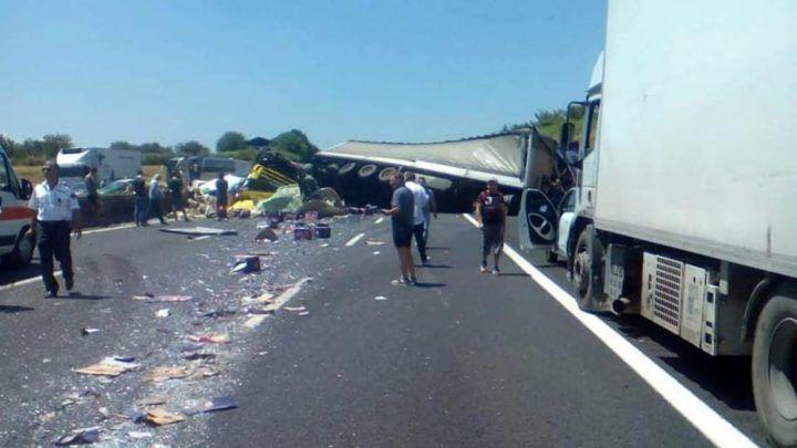 Schianto tra tir sull'A1, camionista campano in fin di vita