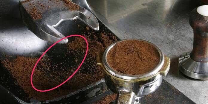 Batteri fecali nel ghiacco di tre note catene di caffé, scatta l'indagine