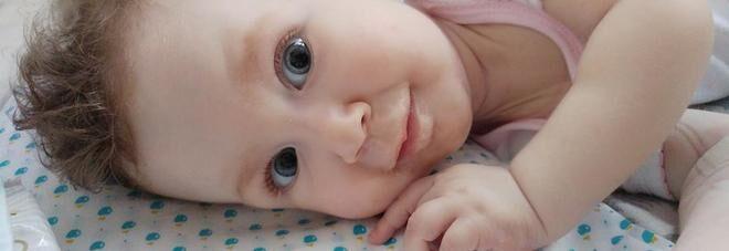 La piccola Martina non ce l'ha fatta: a soli 11 mesi si spegne il sole dei suoi genitori