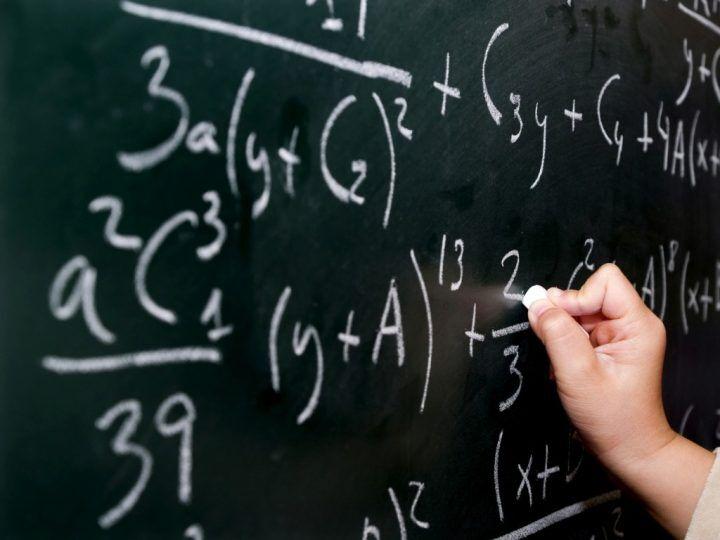 Giugliano piange la Prof. Barberini, storica docente di matematica