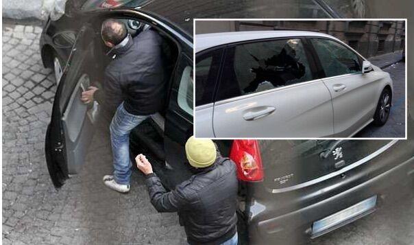 """Napoli ostaggio dei parcheggiatori abusivi. """"Costretti a pagare 150 l'anno, pronto esposto in Procura"""""""