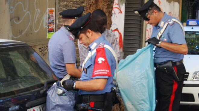 Contraffazione, carabinieri in azione a Napoli e Giugliano: arresti e sequestri