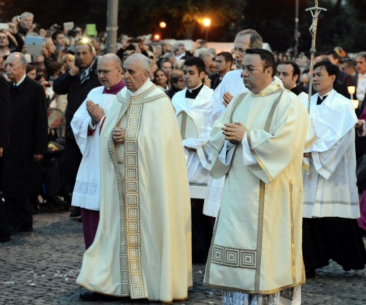 Il giorno del Corpus Domini, messa e processione dalla chiesa di Santa Sofia