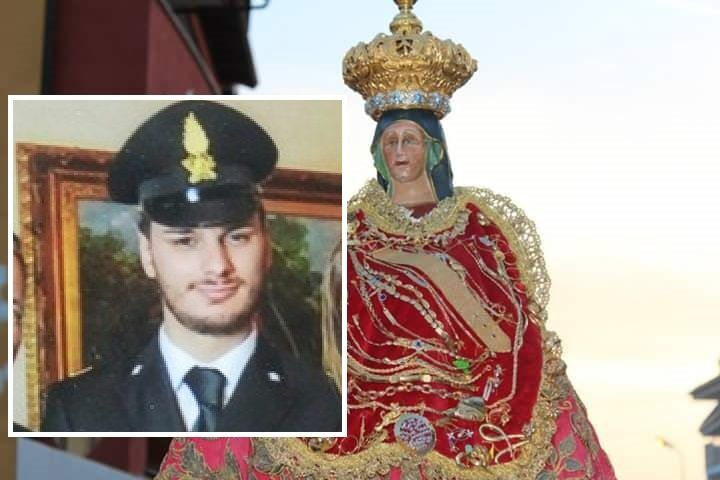 Giugliano, ansia per il finanziere ferito: familiari pregano la Madonna della Pace