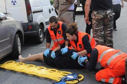 Acerra, travolta sulle strisce pedonali: donna trasportata all'ospedale