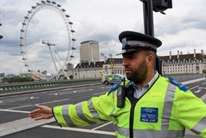 Evacuato il London Eye, presunta bomba nel Tamigi