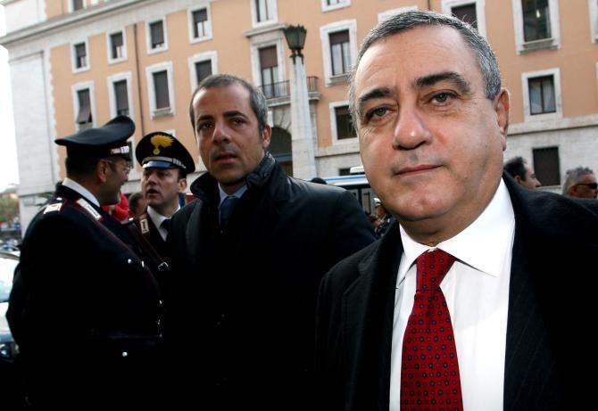 """Luigi Cesaro indagato, la replica: """"Demonizzazione della mia persona"""""""