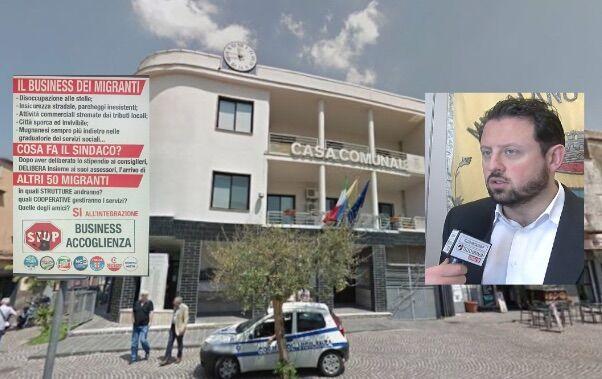 """Migranti a Mugnano, manifesto dell'opposizione: """"Stop business"""". Il sindaco: """"Ignoranti"""""""