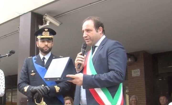 Giugliano, cerimonia per la Festa della Repubblica: premio al capitano Panico