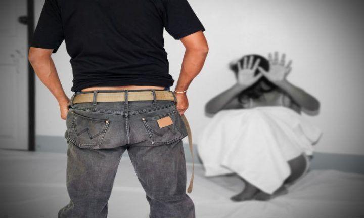 15enne stuprata dal branco: costretta ad andarsene dall'Italia