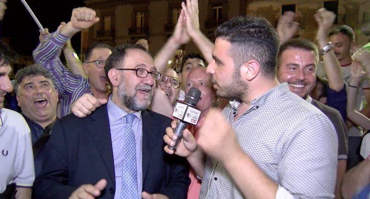 Elezioni Sant'Antimo, Russo nuovo sindaco: arrivano gli auguri di Chiariello. VIDEO