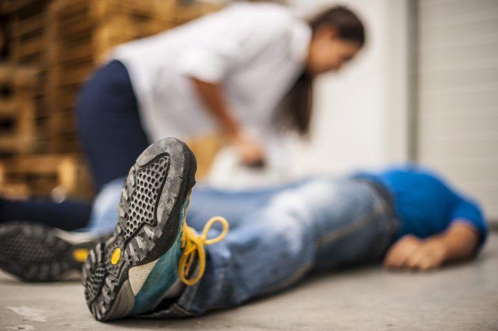 Ha un'ischemia mentre passeggia: 14enne in ospedale